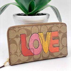 Coach Love Print Medium ZIP Around Wallet